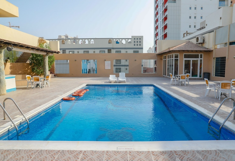 Taj Plaza Hotel, Manama, Pool