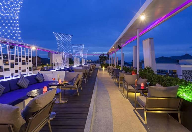 Ashlee Hub Hotel Patong, Patong, Hotelový bar
