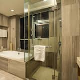 Business Room, River View - Bathroom
