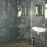 Double Room, Ensuite (Daisy Room - Disable acce) - Bathroom