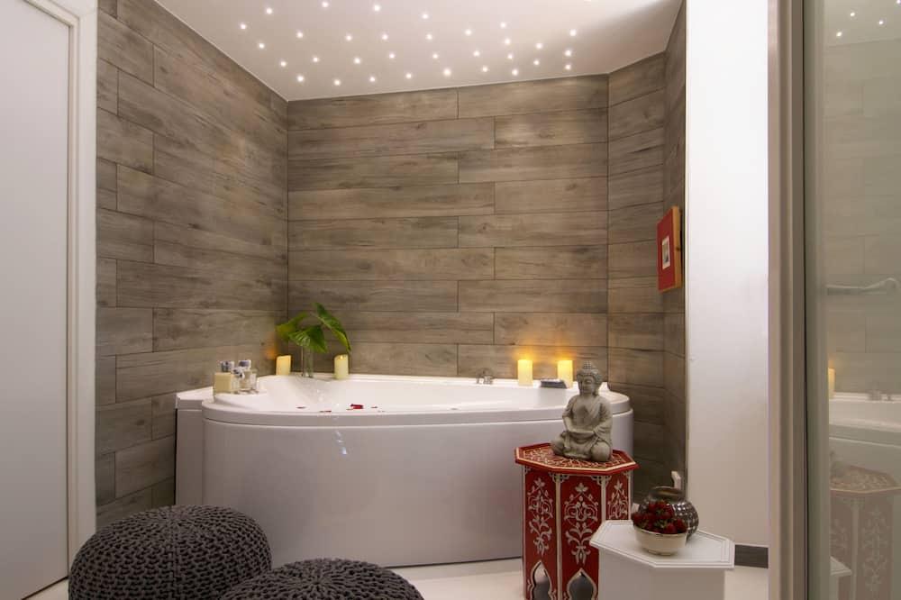 Suite, 1 Tempat Tidur Double, hot tub - Bathtub Spa Dalam Ruangan