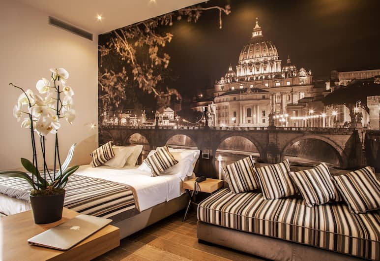 Class House, Rome, Deluxe Triple Room, Guest Room
