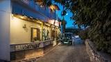 Hotel , Milos
