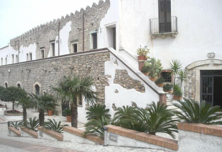 La Fortezza, San Lucido