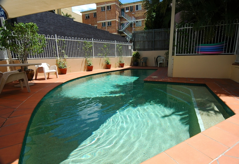 Spring Hill Gardens Apartments, Spring Hill, Outdoor Pool