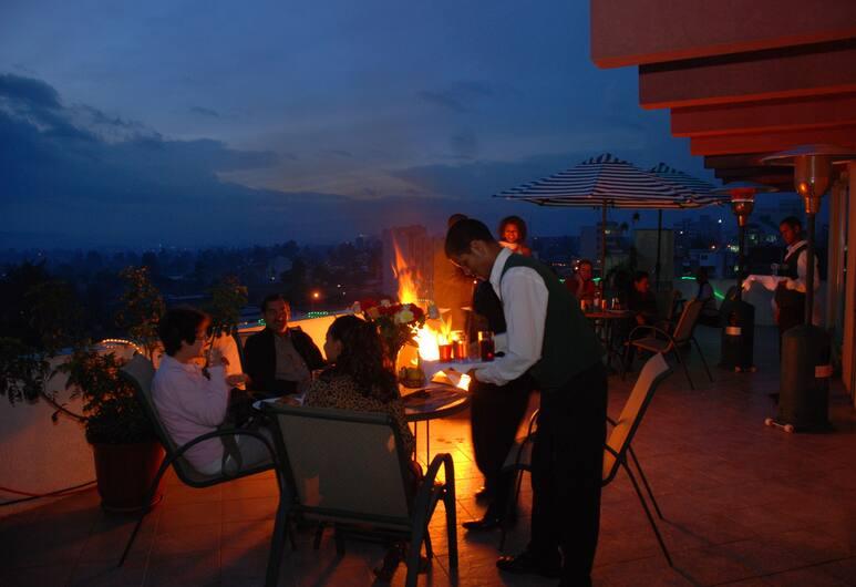 Adot Tina Hotel, Addis-Abeba, Restauration en terrasse