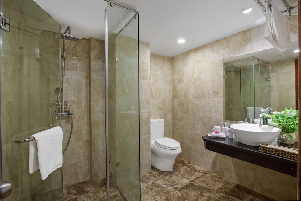 Familien-Suite, 2Queen-Betten, Stadtblick - Badezimmer