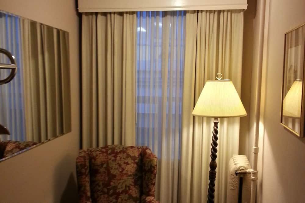 Standard Oda, 1 Çift Kişilik Yatak - Oturma Alanı
