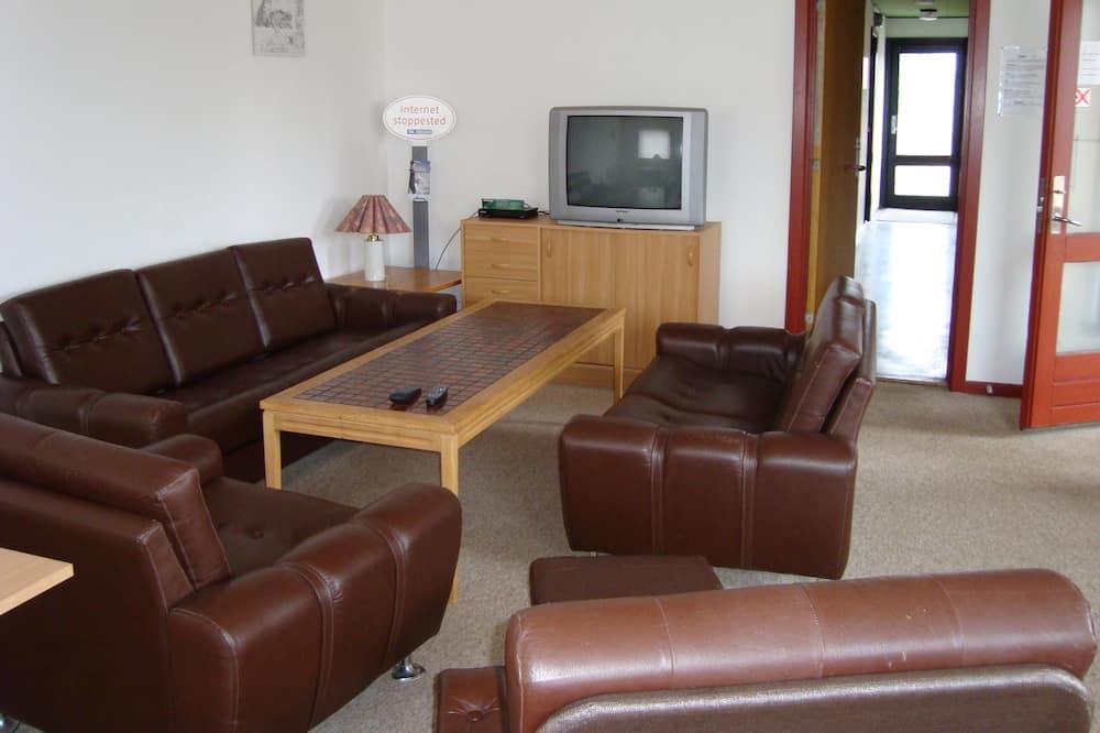 Quadruple Room, (excl. linen) Shared Bathroom - 4 people - Zona de estar