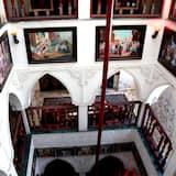 Kiến trúc tòa nhà
