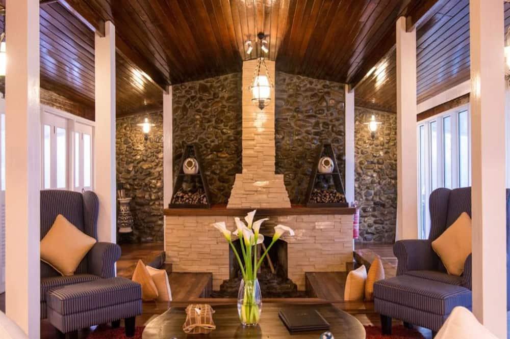 Kinabalu Lodge - Living Room