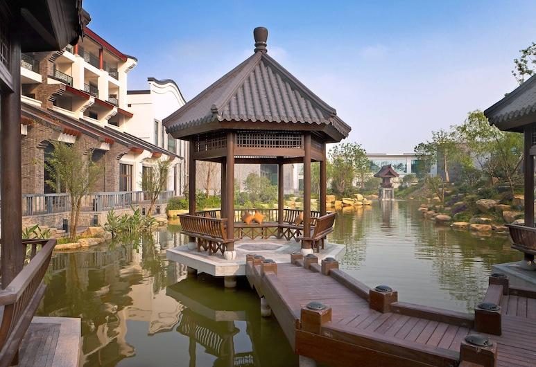 Sheraton Grand Hangzhou Wetland Park Resort, Hangzhou, Taman