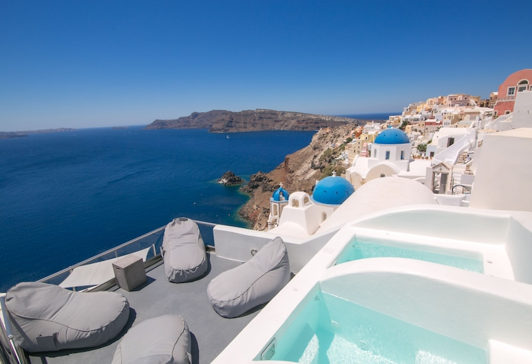 Theodora Suites - Adults Only, Santorini, Outdoor Spa Tub