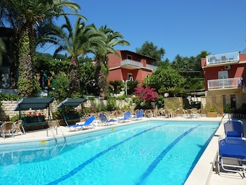 Picture of Oasis Hotel in Corfu