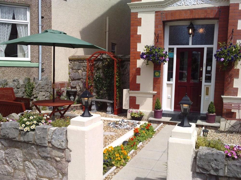 Ascot House - Guest House, Llandudno