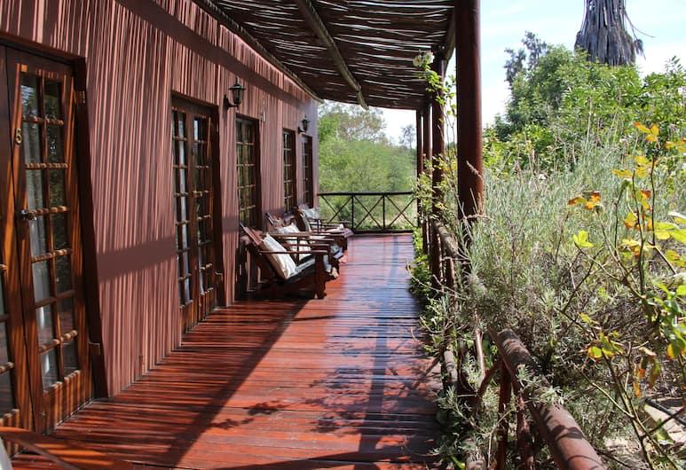 Gumtree Guest House, Oudtshoorn, Terrace/Patio