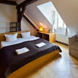 Duplex, 3 Bedrooms (C12) - Living Room