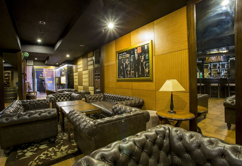 Hotel Rembrandt, Quezon City, Hotel Bar
