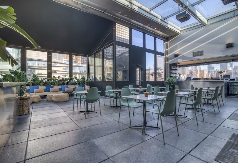 Selina Chelsea, New York, Terrace/Patio