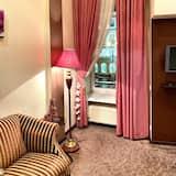 Familieværelse - 1 soveværelse - allergivenligt - byudsigt - Opholdsområde