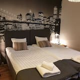 Standard Double or Twin Room, 1 Double or 2 Twin Beds, Shared Bathroom, City View - Guest Room