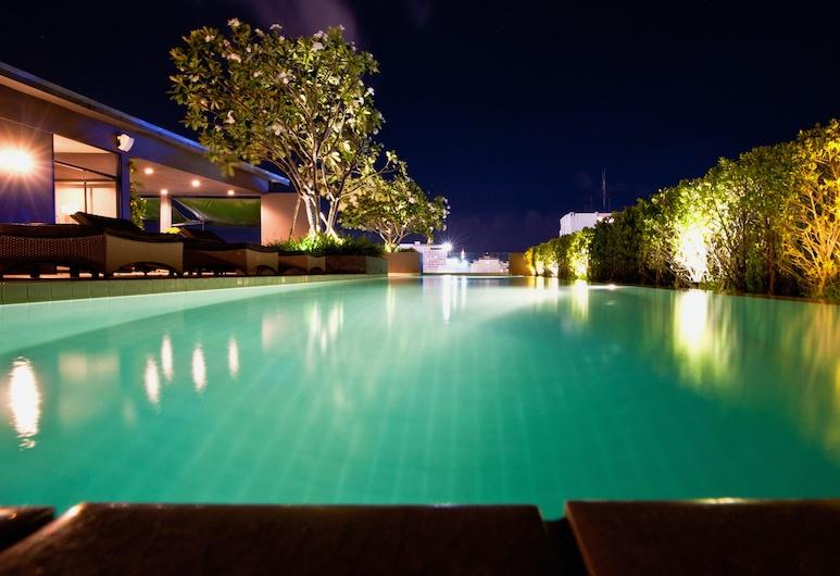 Page 10, Hotel, Pattaya, Pool