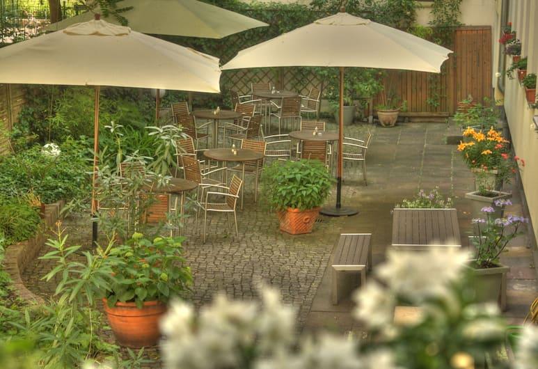 Hotel Johann, Berlin, Restaurang utomhus