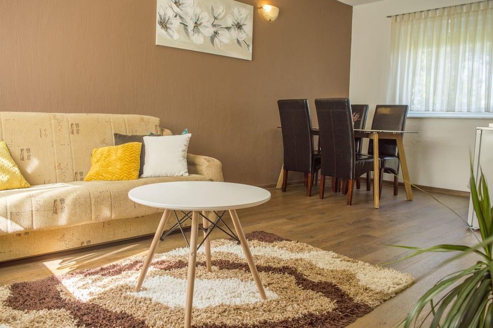 Studio Apartment with Balcony or Terrace - Vardagsrum