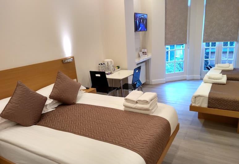 MStay Russell Court Hotel, Лондон, Четырехместный номер «Делюкс», Номер