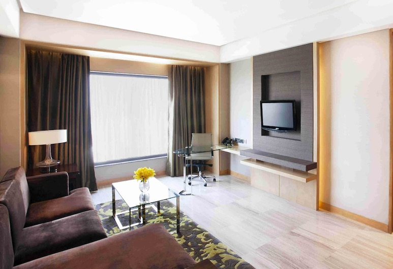 Holiday Inn New Delhi Mayur Vihar Noida, an IHG Hotel, New Delhi, Suite, 1 King Bed, Accessible, Business Lounge Access (With Lounge Access), Guest Room