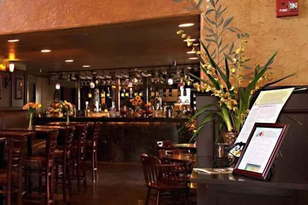 Bar Hotel
