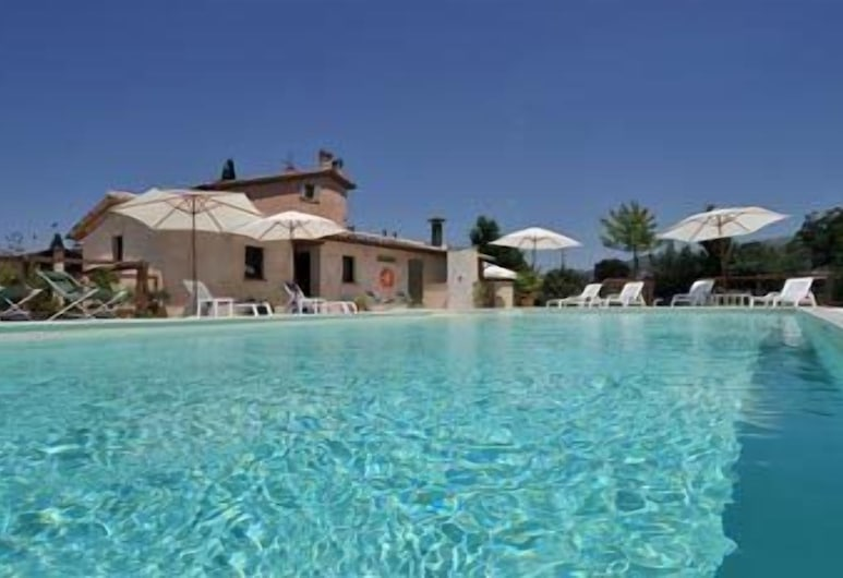 Country House Casco dell'Acqua, פוליגנו, בריכה חיצונית