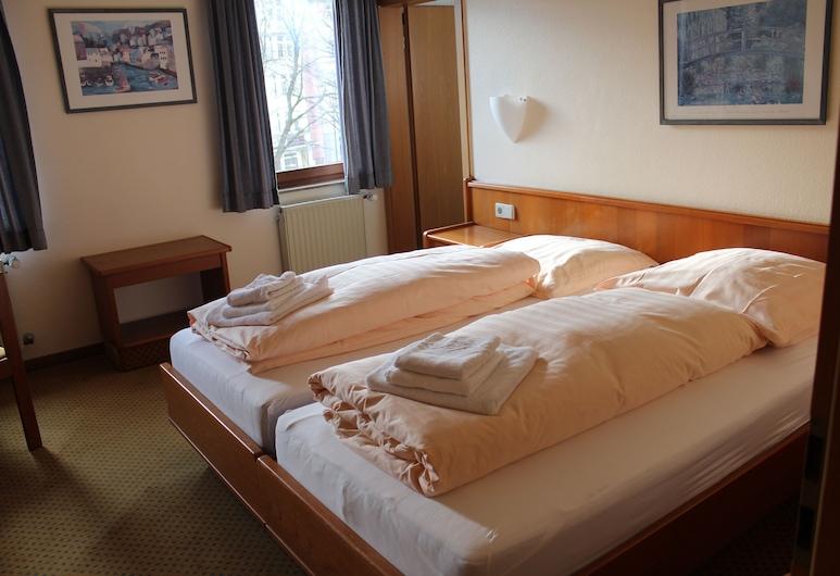 Blauer Bock , Esslingen, Double Room, Guest Room