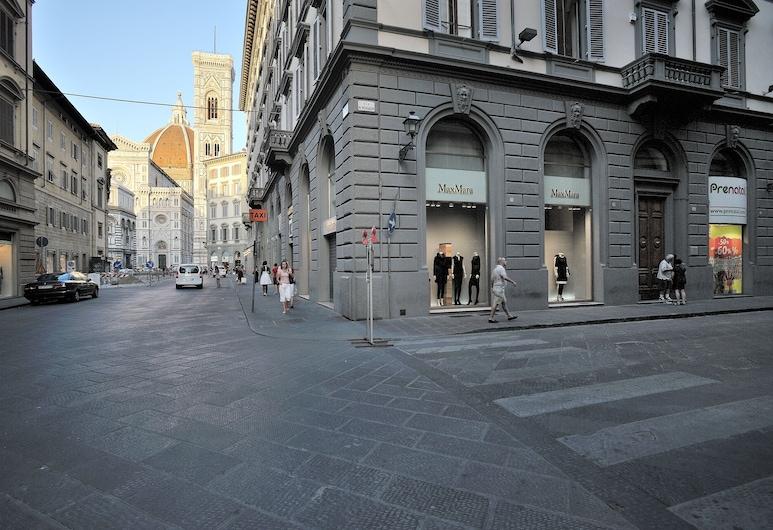 Luxury B&B La Dimora degli Angeli, פירנצה, הכניסה למלון