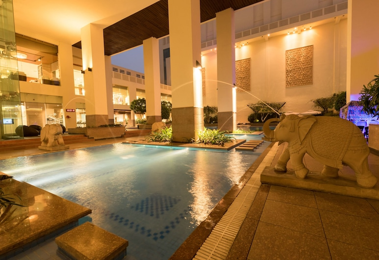 Jaipur Marriott Hotel, Jaipur, Piscina