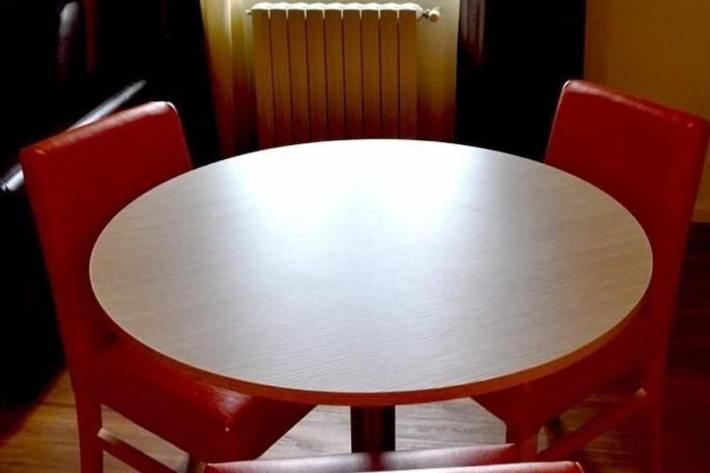 Superior gezinskamer voor 4 personen - Eetruimte in kamer
