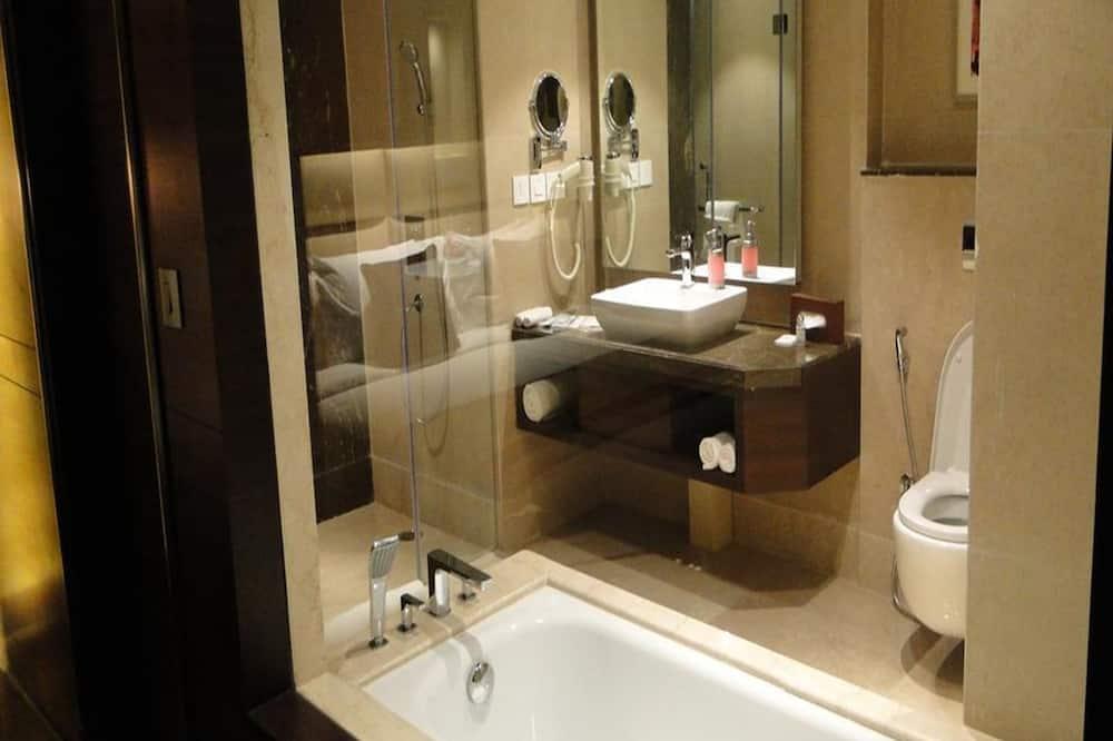 Phòng đôi Superior, 1 giường cỡ king - Phòng tắm