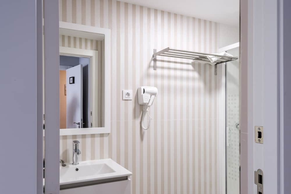 Premium Τετράκλινο Δωμάτιο, 2 Υπνοδωμάτια - Μπάνιο