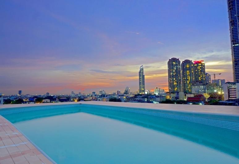 Miloft Sathorn Hotel, Bangkok, Havuz
