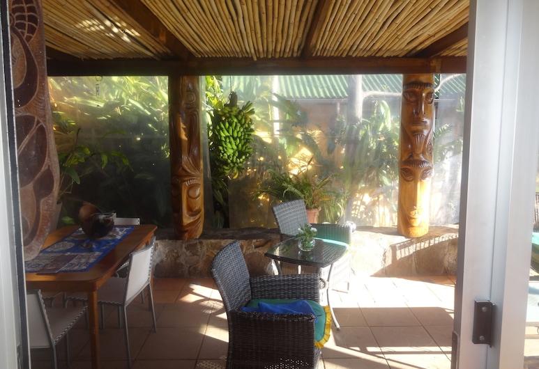 Tauraa Hotel, Hanga Roa, Terrace/Patio
