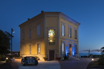 Check the price of this hotel in Alghero