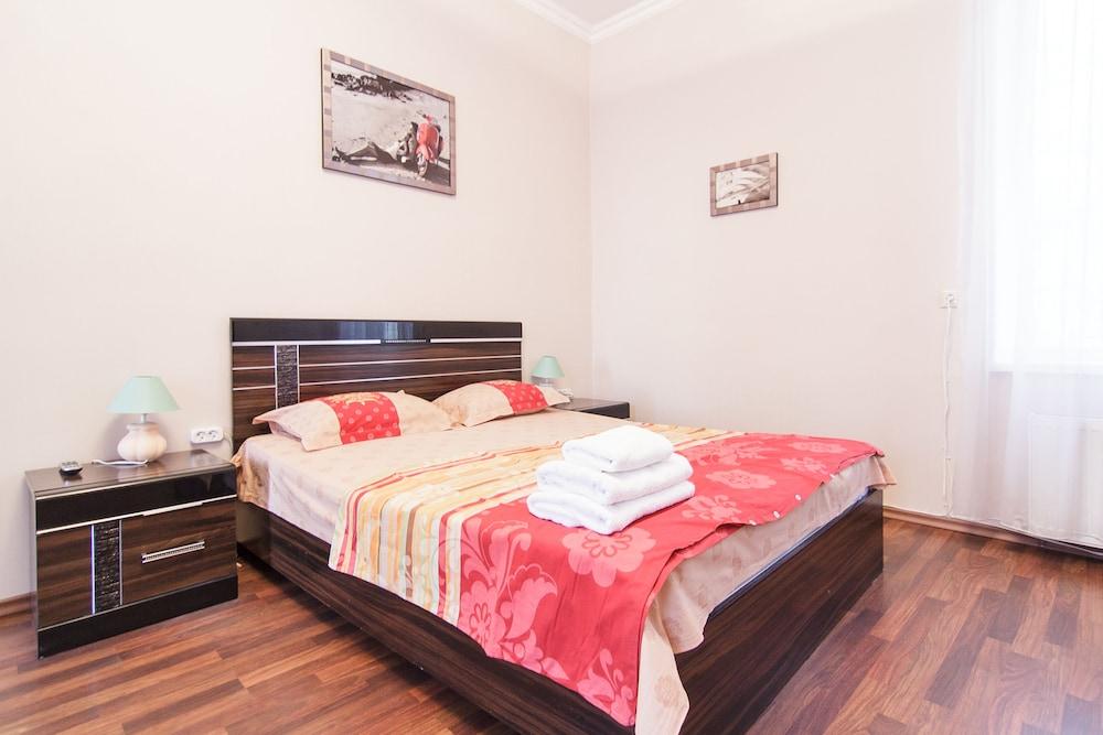 Odessa Rent Service Apartments, Odessa