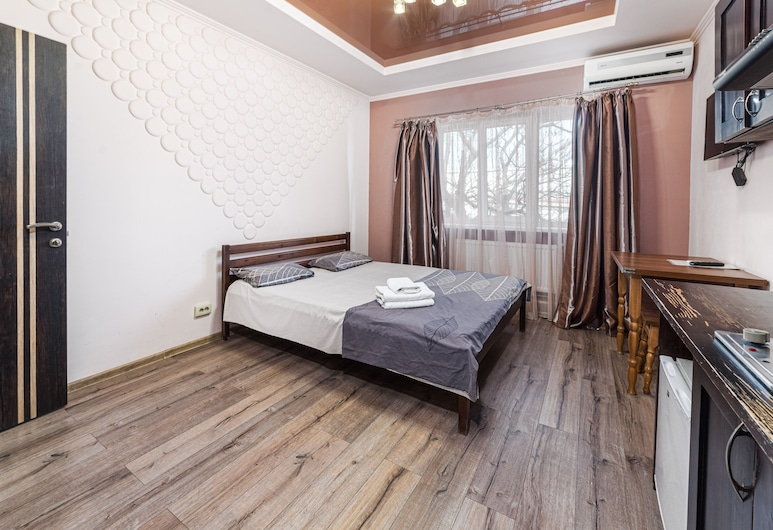Odessa Rent Service Apartments at Sea-side, Odessa, Comfort Studio, 1 Double Bed, Kitchen, Room