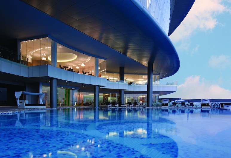 Jumeirah At Etihad Towers, Abu Dhabi, Outdoor Pool