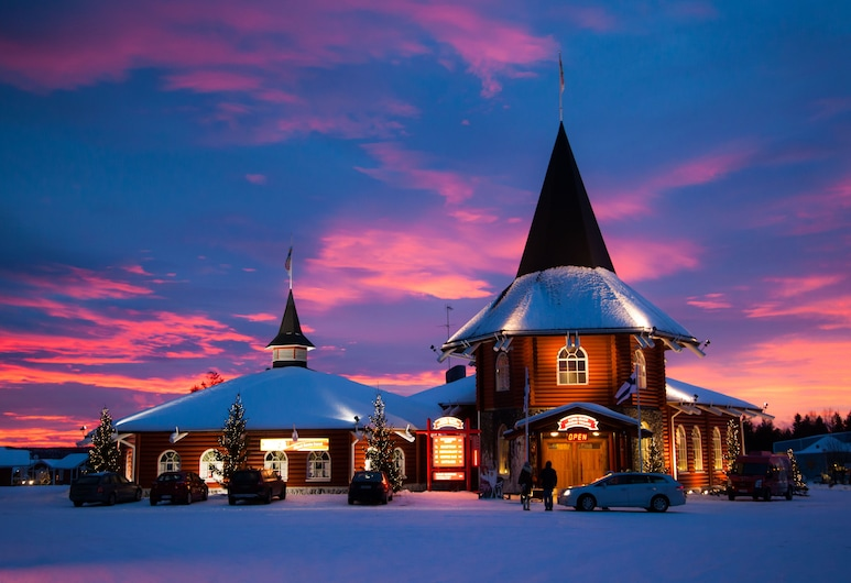 Santa Claus Holiday Village, Rovaniemi