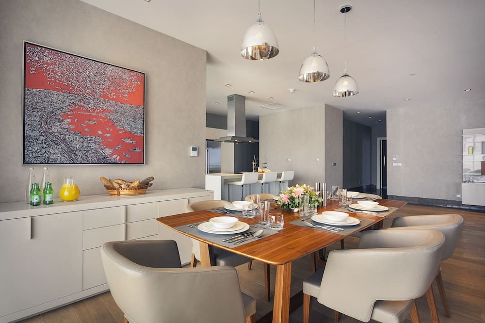 Four Bedroom Penthouse - In-Room Dining