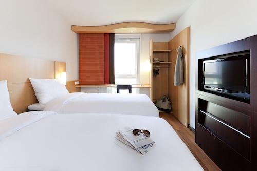 宜必思里昂東沙蓬奈飯店/