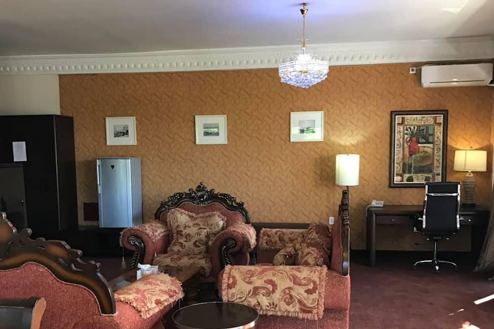 Suite (Princess) - Living Area