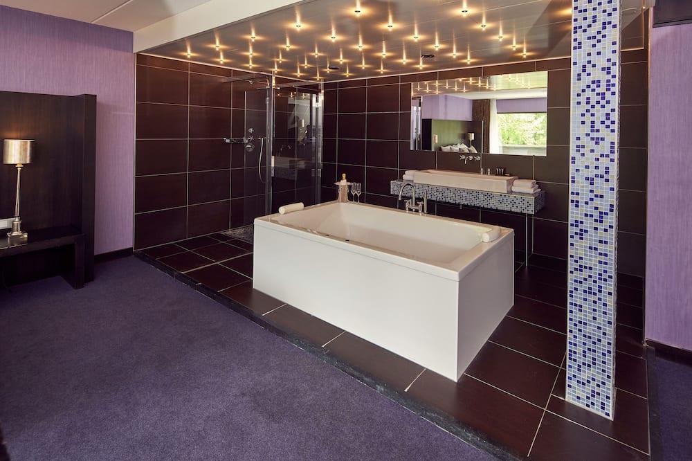 Glamour Loft - Private spa tub