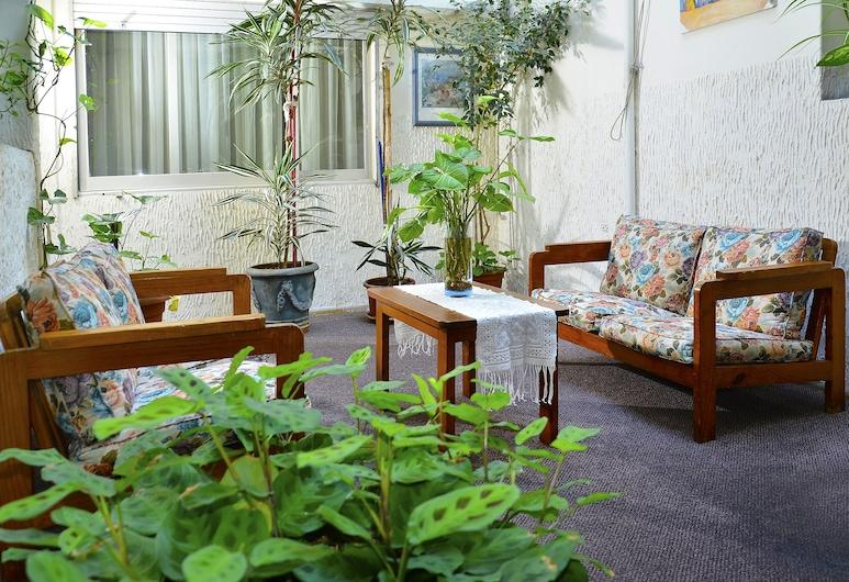 Hispano Hotel, Montevideo, Hiên
